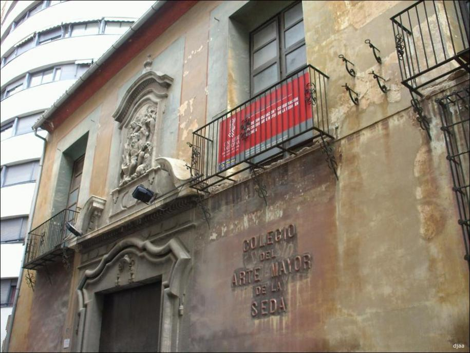 prostitutas en el barrio del pilar numero de telefono prostitutas