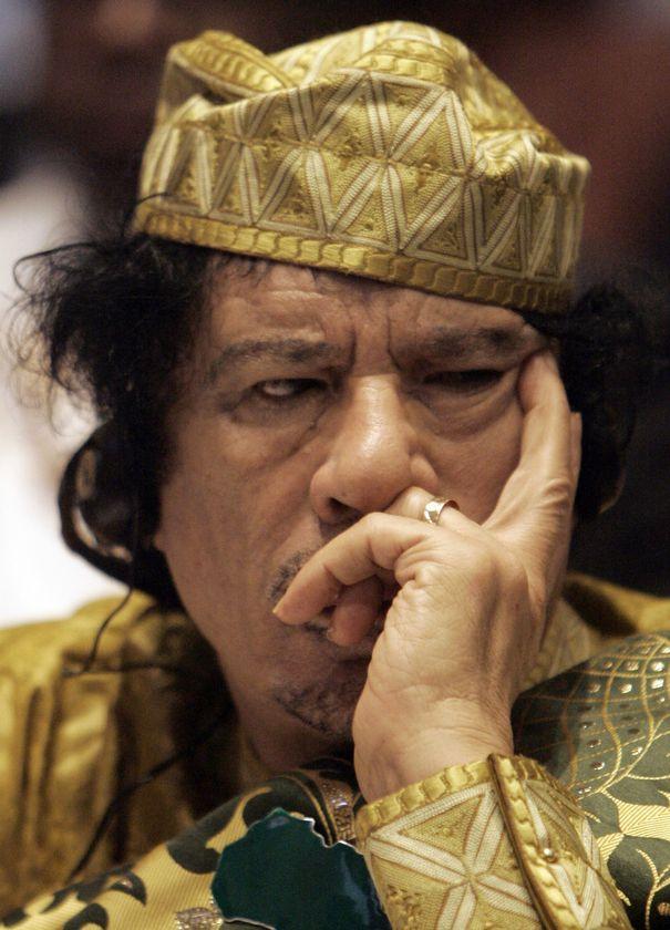 http://www.fernandoorgambides.com/wp-content/uploads/2011/02/Muammar-el-Gaddafi.jpg